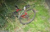Policie vyšetřuje smrt cyklisty v obci Horní Lánov