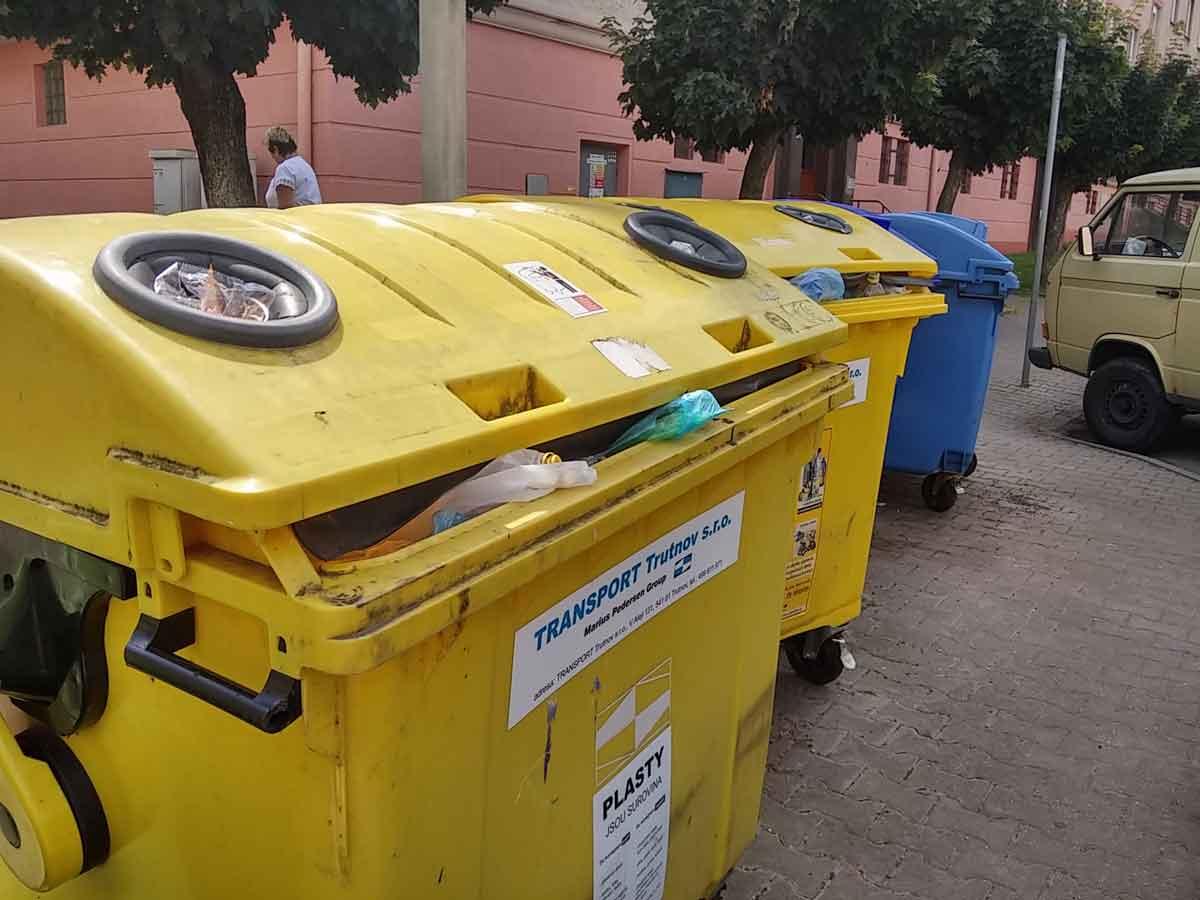 popelnice-transporta-odpad-trideny