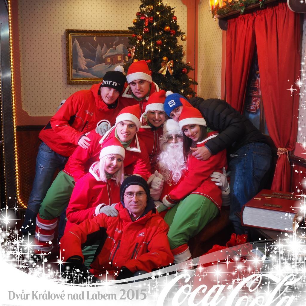 Sestava Vánočního kamionu ve Dvoře Králové nad Labem