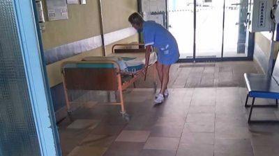 Nemocnice by měla dostat peníze na zvýšení platů sester do konce září