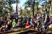 Trutnov Trails zahájil sezónu, ve Dvoře Králové si někdo na cyklisty připravil střepy