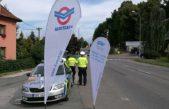 Policisté dnes v Trutnově rozdávali řidičům pivo