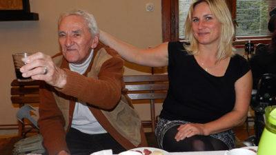 Klub vozíčkářů v Trutnově si pochutnával na italském víně a francouzském koláči