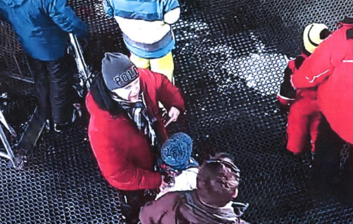 Výtržník napadl spolucestujícího v kabinové lanovce. Policie hledá svědky